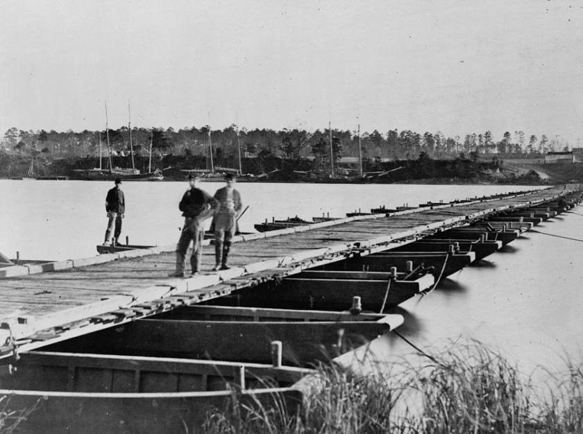 2-the-civil-war-pontoon-bridge-everett